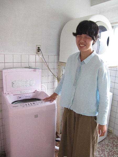 新しい洗濯機と利用者さん