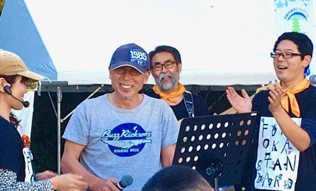 笑顔の高橋所長とフナスタバンドのみなさん