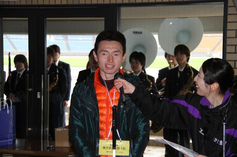 インタビューを受ける和田さん