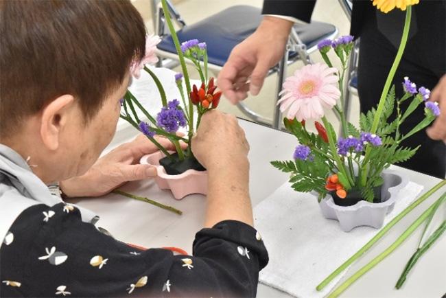 可愛いお花で生け花体験